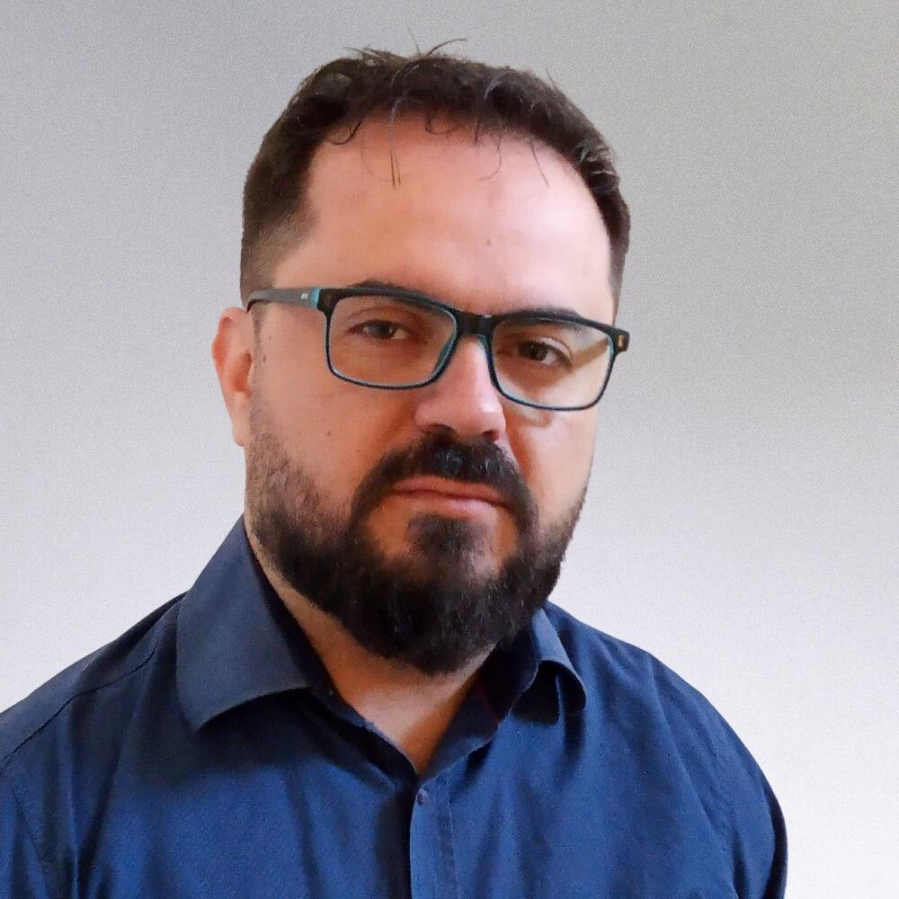 Άκης Πυράκης